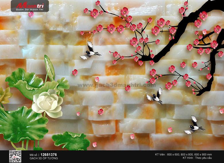 Hoa sen trắng bên cành đào nền tường gạch