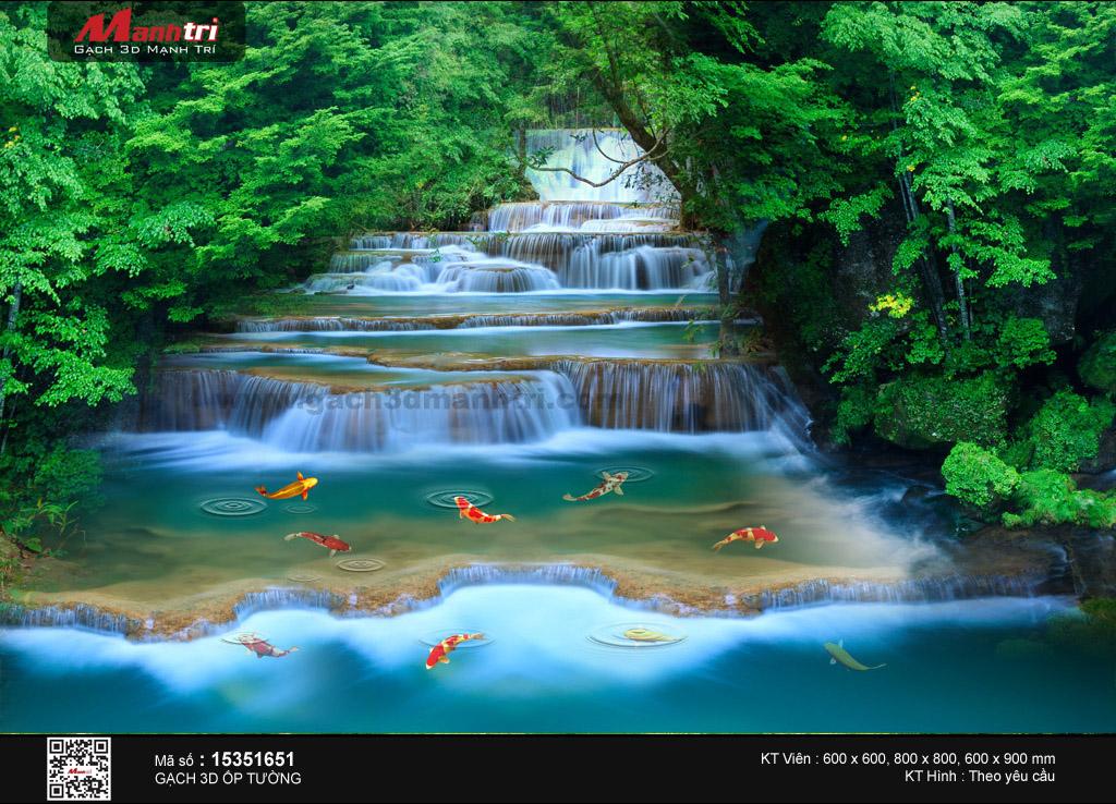 Cảnh suối thác hoang sơ
