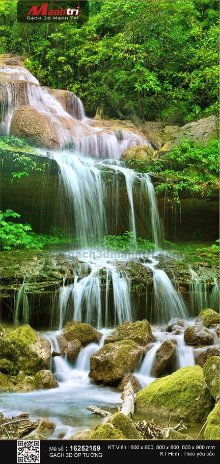 Suối đá xanh rêu phong